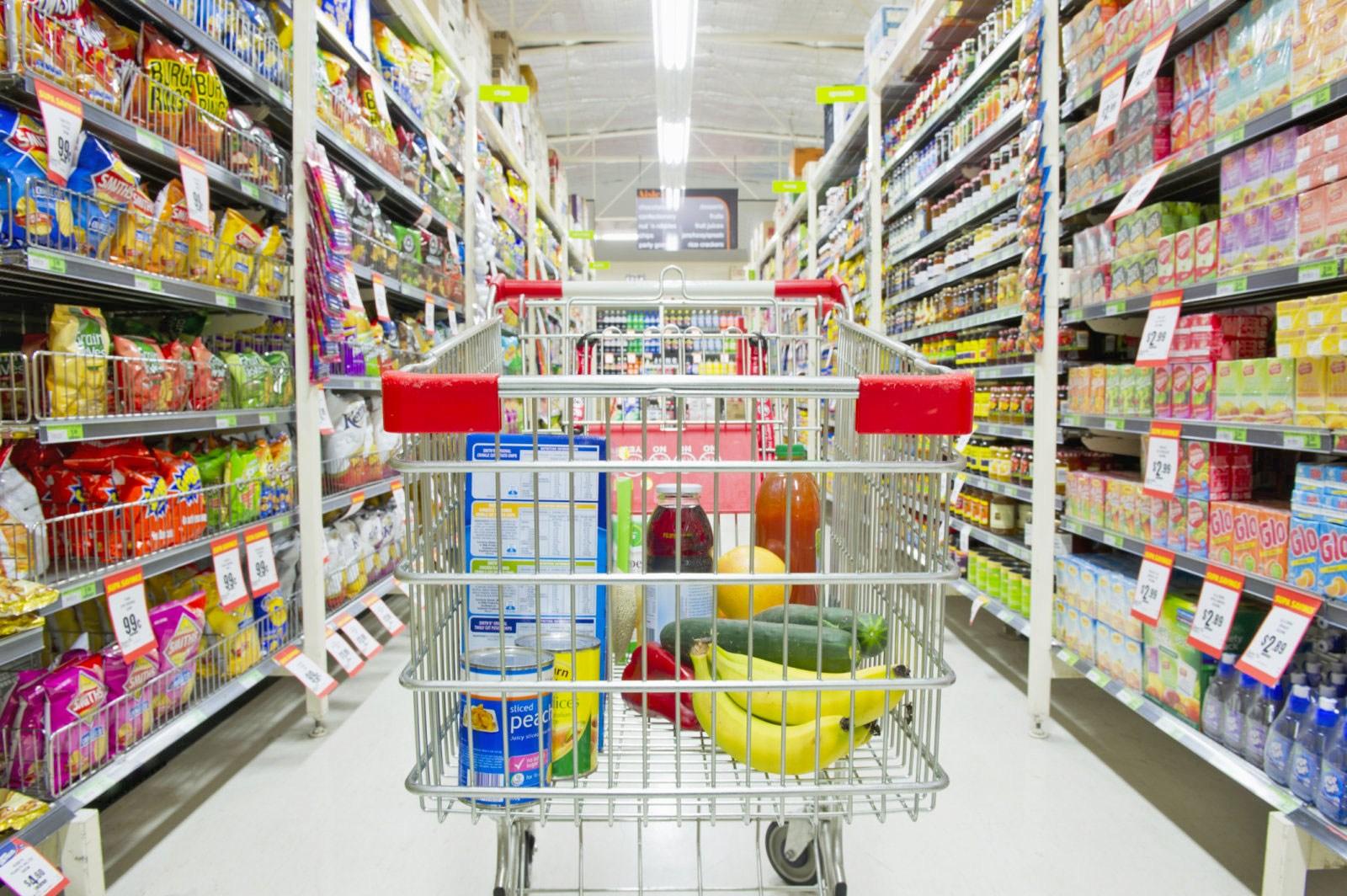 A partir desta segunda, comércio de Umuarama poderá abrir até as 22h