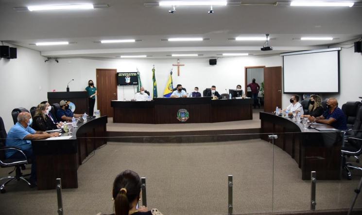 Câmara de Vereadores de Umuarama fixa salários do prefeito, vice e secretários