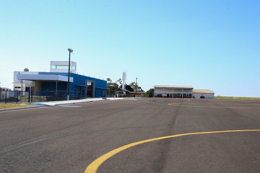 Prefeito Celso Pozzobom diz que as obras do Aeroporto Municipal estão 100% concluídas.