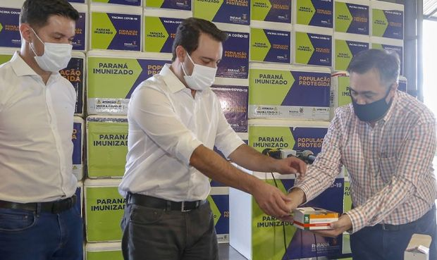 Governo do Paraná começa a distribuir novas doses de vacina às Regionais de Saúde