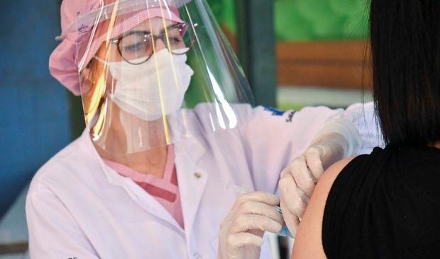 Segue nesta segunda-feira vacinação para idosos de 65 anos ou mais em Umuarama