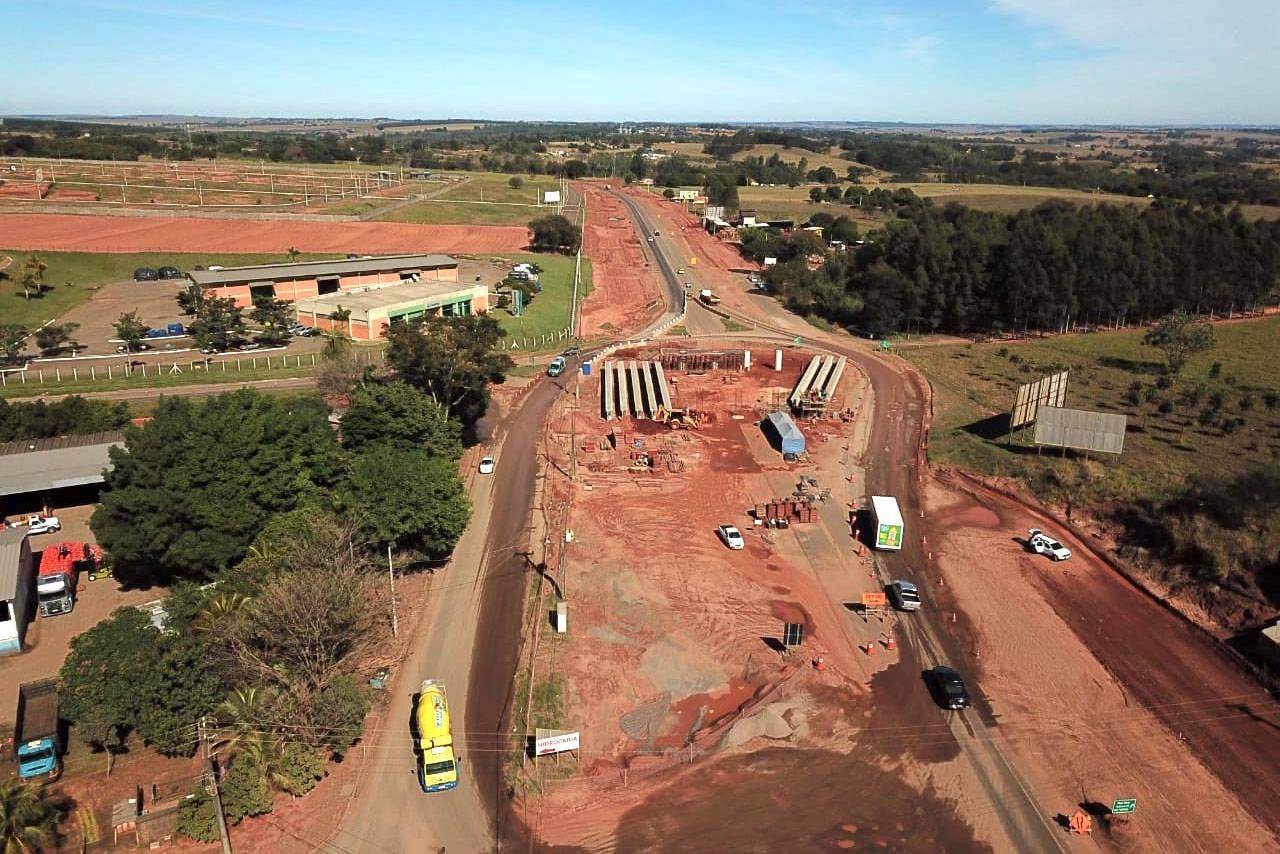 Obras de duplicação da PR-323 em Umuarama estão bem adiantadas