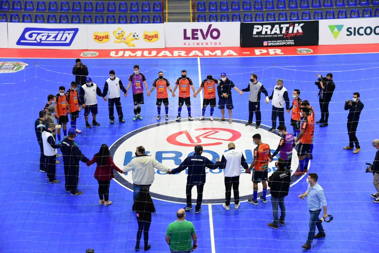 Umuarama Futsal retoma treinos após grave acidente com ônibus na BR-376