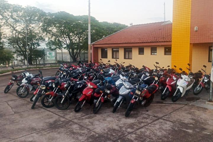 Motocicletas apreendidas pela PM somam quase R$ 100 mil em débitos